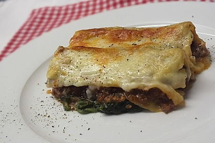 Cannelloni Bolognese auf Spinat 1