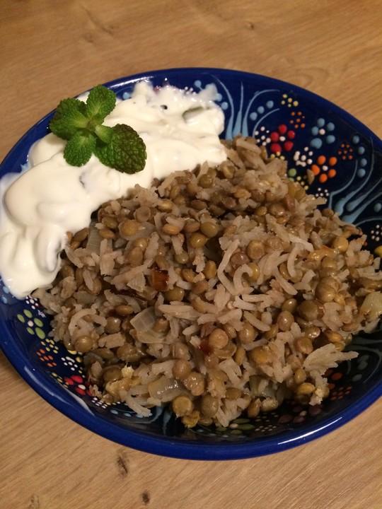 Mujaddara - ein leckeres arabisches Linsen-Reis-Gericht mit ...