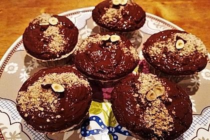 Vegane Muffins mit Kirschen und Haselnüssen 1