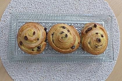 Rosinenschnecken mit Pudding 1