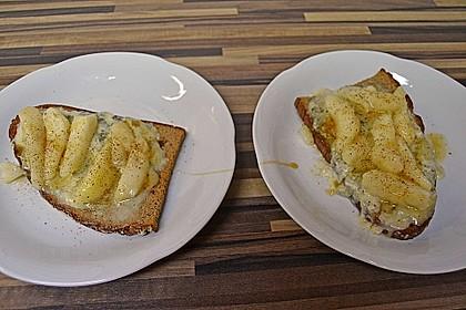 Crostini mit Gorgonzola, Birne und Honig 1