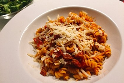 Salami-Pasta (Bild)