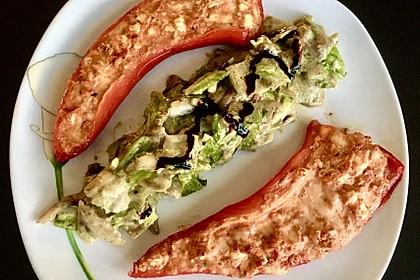 Paprika mit Feta-Mozzarella-Füllung (Bild)