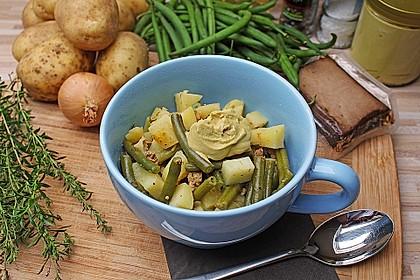 Omas Bohnen-Kartoffeleintopf mit Räuchertofu