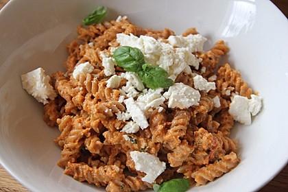 Vollkorn-Spirelli mit Pesto Rosso und überbackener Ricotta 3