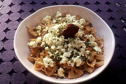 Vollkorn-Spirelli mit Pesto Rosso und überbackener Ricotta 2