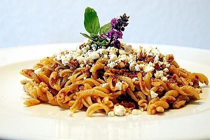Vollkorn-Spirelli mit Pesto Rosso und überbackener Ricotta