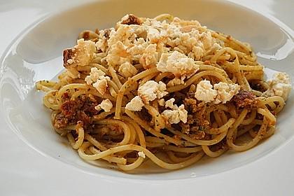 Vollkorn-Spirelli mit Pesto Rosso und überbackener Ricotta 1