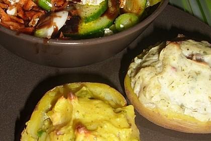 Gefüllte Ofenkartoffeln mit frischen Kräutern 8