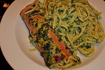 Spaghetti-Röllchen-Auflauf mit Spinat (Bild)
