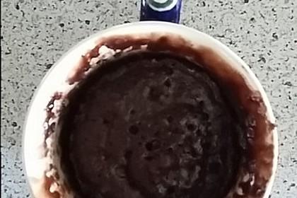 Schokoladiger Tassenkuchen aus der Mikrowelle 4