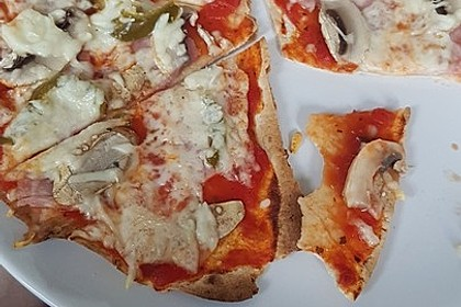 Tortilla-Pizza, besonders fettarm 2