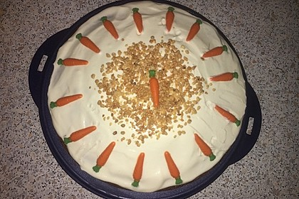 Karottenkuchen, Rüblikuchen oder Möhrenkuchen 143