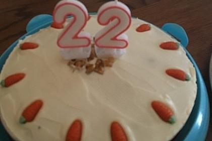 Karottenkuchen, Rüblikuchen oder Möhrenkuchen 321