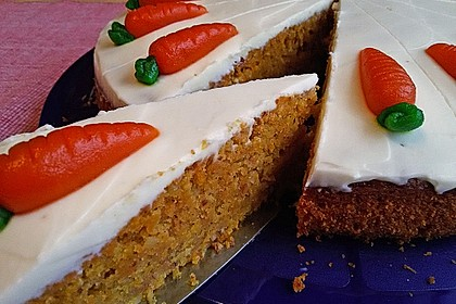 Karottenkuchen, Rüblikuchen oder Möhrenkuchen 3