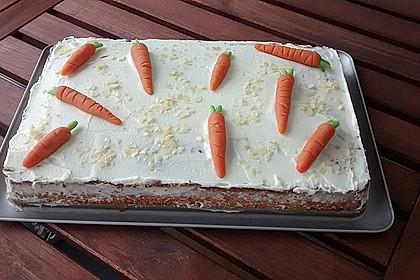 Karottenkuchen, Rüblikuchen oder Möhrenkuchen 387