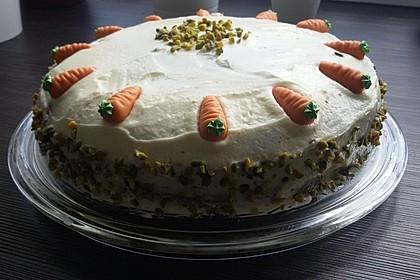 Karottenkuchen, Rüblikuchen oder Möhrenkuchen 367