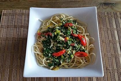 Spaghetti aglio, olio e peperoncino (Bild)
