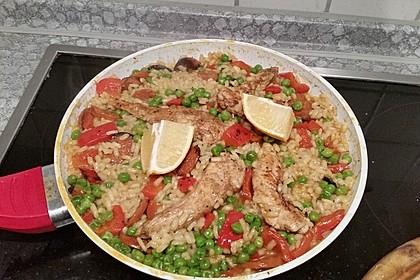 Einfache Paella mit Chorizo und Hähnchenkeulen 9