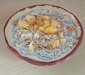 Chia-Samen-Pudding mit Obst (Bild)