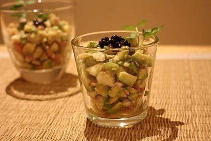 Avocado mit Forelle und Kaviar 1
