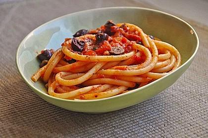 Spaghetti mit  Tomaten-Chili-Einlage