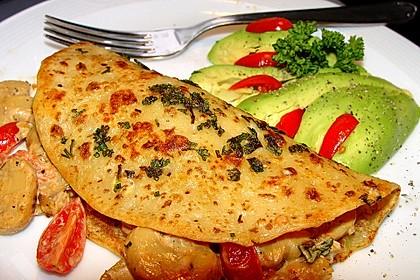 Vegetarische Kräuterpfannkuchen mit Tomaten-Pilz-Füllung 2