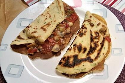 Vegetarische Kräuterpfannkuchen mit Tomaten-Pilz-Füllung 6