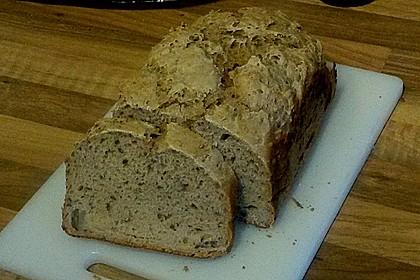 Kefir-Dinkel-Roggen-Brot mit Leinsamen und Sauerteig aus dem Brotbackautomat