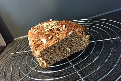 Low-Carb Brot mit Sonnenblumenkernen 40
