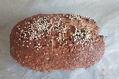 Low-Carb Brot mit Sonnenblumenkernen 53