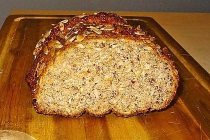 Low-Carb Brot mit Sonnenblumenkernen 13