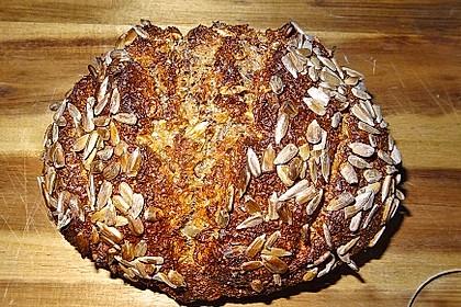 Low-Carb Brot mit Sonnenblumenkernen 12