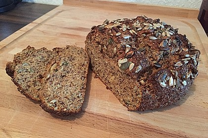 Low-Carb Brot mit Sonnenblumenkernen 26