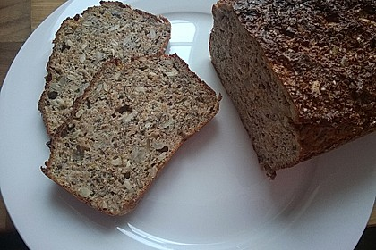 Low-Carb Brot mit Sonnenblumenkernen 28