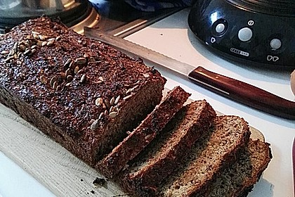 Low-Carb Brot mit Sonnenblumenkernen 50
