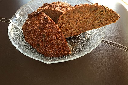 Low-Carb Brot mit Sonnenblumenkernen 32