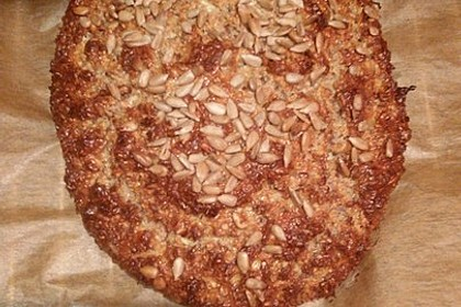 Low-Carb Brot mit Sonnenblumenkernen 92