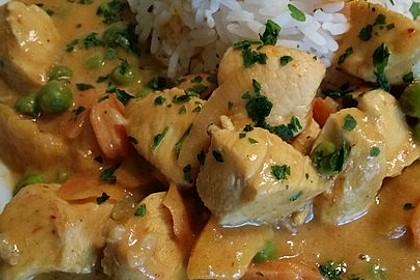 Curry mit Erdnussbutter und Pfirsichen (Bild)