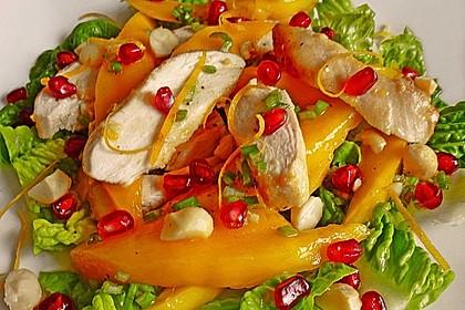 Mangosalat mit zitronigem Hähnchenbrustfilet