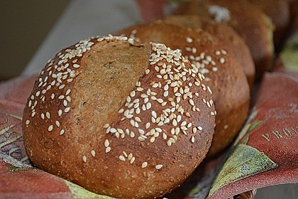 Dinkel-Malzbier-Brötchen 1