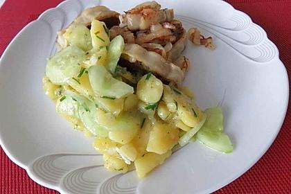 Bayrischer Kartoffelsalat mit Gurke 10