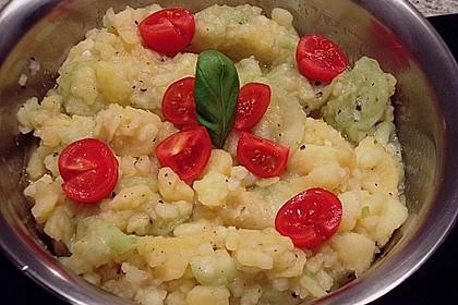 Bayrischer Kartoffelsalat mit Gurke 35