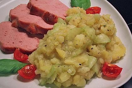 Bayrischer Kartoffelsalat mit Gurke 30