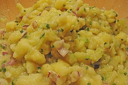 Bayrischer Kartoffelsalat mit Gurke 1