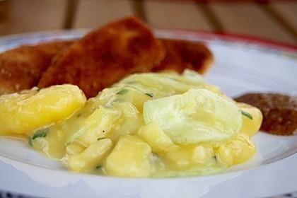 Bayrischer Kartoffelsalat mit Gurke 12