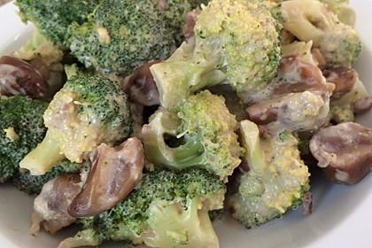 Brokkoli in Mandelmilch