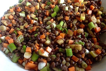 Belugalinsen-Salat mit Kürbiskernöl-Dressing 3
