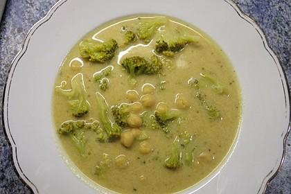 Brokkolisuppe mit weißen Bohnen 1