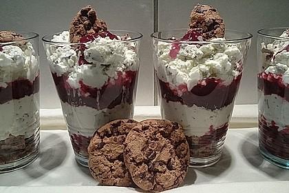 Fruchtiges Kokos-Trifle